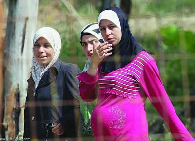 syrian-women-girls-at-refugee-camps