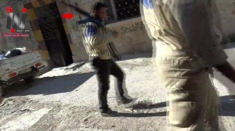1-White-Helmets-Syria-Armed-al-Nusra